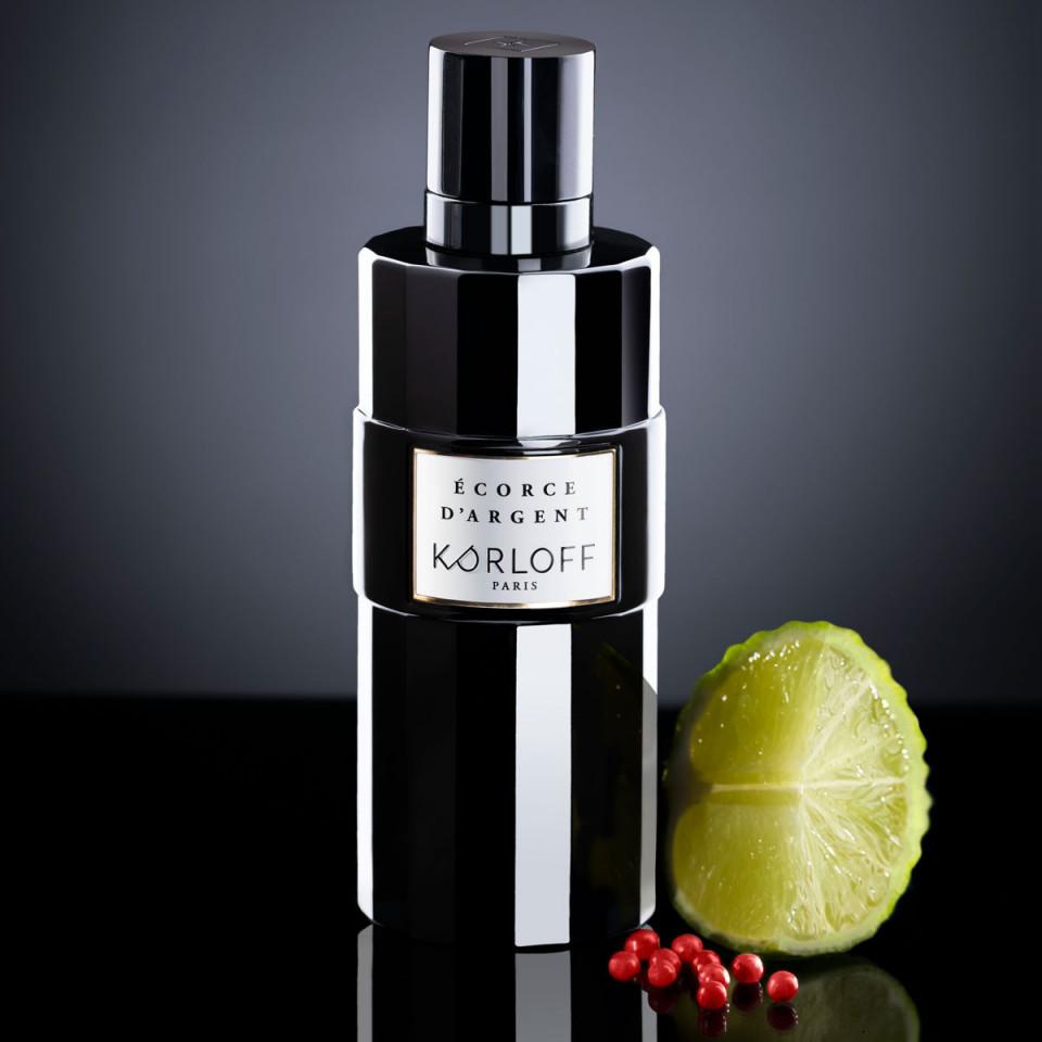 Korloff_parfum_Memoire_écorcedargent_lifestyle.jpg